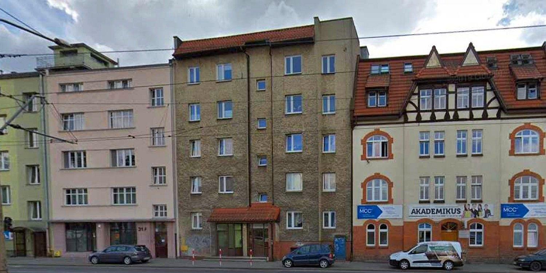 Broniewskiego 33
